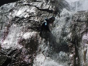 Barranquismo_Barranco_Estribiella_valle_de_echo_selva_oza_menditxik_mendi_arroila_gidariak_guias_montana_barrancos_canyoning_mountain_guides_euskal_herria_euskadi_pais_vasco_basque_country_txiki17