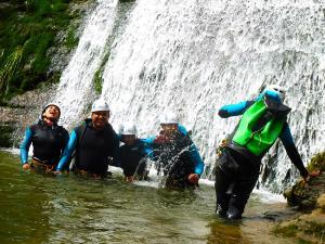 Tertanga_Barranquismo_Descenso_barrancos_familias_euskadi_pais_vasco_menditxik_guias_montana_turismo_activo_3