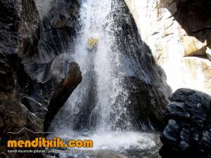 barranco_gargantan_ossoue_barranquismo_canyoning_descente_canyon_pirineos_hautes_pyrenees_menditxik_guias_montana_12