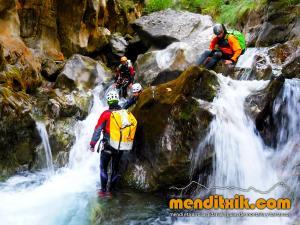 barranco_gargantan_ossoue_barranquismo_canyoning_descente_canyon_pirineos_hautes_pyrenees_menditxik_guias_montana_5