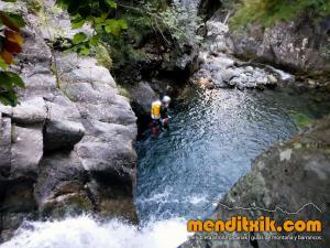 barranco_gargantan_ossoue_barranquismo_canyoning_descente_canyon_pirineos_hautes_pyrenees_menditxik_guias_montana_7
