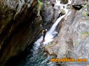 barranco_gargantan_ossoue_barranquismo_canyoning_descente_canyon_pirineos_hautes_pyrenees_menditxik_guias_montana_8