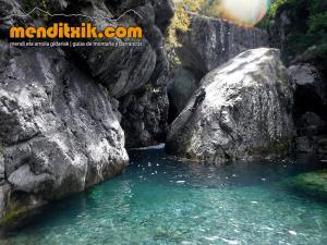 barranco_gedres_barranquismo_canyoning_descente_canyon_pirineos_hautes_pyrenees_menditxik_guias_montana_8
