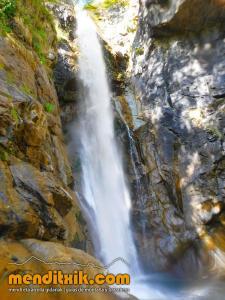 barranco_saugue_barranquismo_canyoning_descente_canyon_pirineos_hautes_pyrenees_menditxik_guias_montana_11