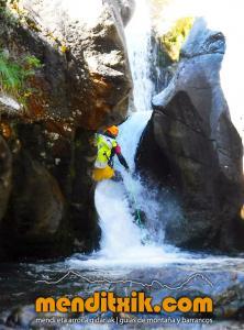 barranco_saugue_barranquismo_canyoning_descente_canyon_pirineos_hautes_pyrenees_menditxik_guias_montana_4
