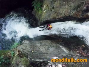 barranco_saugue_barranquismo_canyoning_descente_canyon_pirineos_hautes_pyrenees_menditxik_guias_montana_5