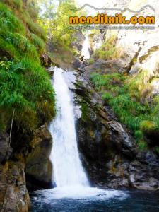 barranco_saugue_barranquismo_canyoning_descente_canyon_pirineos_hautes_pyrenees_menditxik_guias_montana_9