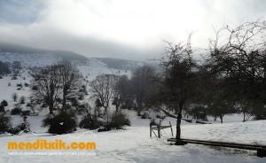 05-Urbasa_Andia_Zeharkaldia_Travesia_Montana_Mendia_Euskal_Herria_Pais_Vasco_Pays_Basque_Basque_Country_Menditxik_Mendi_Arroila_Gidariak_Guías_montaña_barrancos_mountain_canyon_guide_montagne_canyon_guides