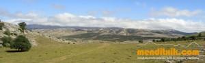 11-Urbasa_Andia_Zeharkaldia_Travesia_Montana_Mendia_Euskal_Herria_Pais_Vasco_Pays_Basque_Basque_Country_Menditxik_Mendi_Arroila_Gidariak_Guías_montaña_barrancos_mountain_canyon_guide_montagne_canyon_guides