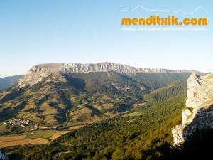 15-Urbasa_Andia_Zeharkaldia_Travesia_Montana_Mendia_Euskal_Herria_Pais_Vasco_Pays_Basque_Basque_Country_Menditxik_Mendi_Arroila_Gidariak_Guías_montaña_barrancos_mountain_canyon_guide_montagne_canyon_guides