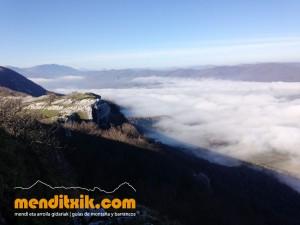 17-Urbasa_Andia_Zeharkaldia_Travesia_Montana_Mendia_Euskal_Herria_Pais_Vasco_Pays_Basque_Basque_Country_Menditxik_Mendi_Arroila_Gidariak_Guías_montaña_barrancos_mountain_canyon_guide_montagne_canyon_guides