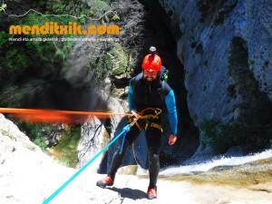 170422 artazul barranquismo arroila canyoning pais vasco navarra nafarroa euskadi euskal herria menditxik mendi gidariak guias montaña barrancos 24