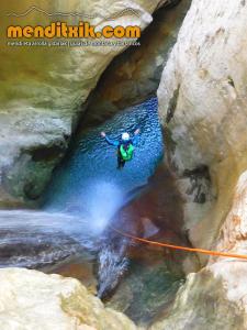 170607 fago barranquismo arroila canyoning pais vasco navarra nafarroa euskadi euskal herria menditxik mendi gidariak guias montaña barrancos 10