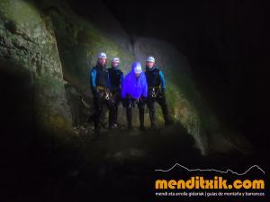 171027 Leze barranquismo descenso barrancos canyoning pais vasco euskadi navarra nafarroa menditxik guia montaña mendi arroila gidariak 5