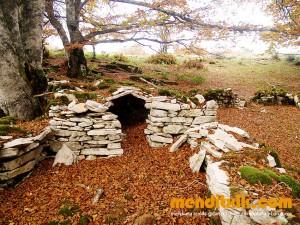 19-Urbasa_Andia_Zeharkaldia_Travesia_Montana_Mendia_Euskal_Herria_Pais_Vasco_Pays_Basque_Basque_Country_Menditxik_Mendi_Arroila_Gidariak_Guías_montaña_barrancos_mountain_canyon_guide_montagne_canyon_guides