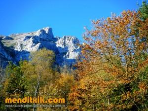 Udalaitz Udalatx menditxik minas mehatzeak mendi arroila gidariak guías montana barrancos 1