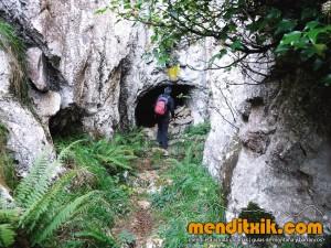 Udalaitz Udalatx menditxik minas mehatzeak mendi arroila gidariak guías montana barrancos 12