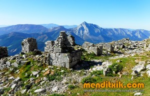 Udalaitz Udalatx menditxik minas mehatzeak mendi arroila gidariak guías montana barrancos 9