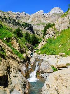 Barranquismo_Barranco_Estribiella_valle_de_echo_selva_oza_menditxik_mendi_arroila_gidariak_guias_montana_barrancos_canyoning_mountain_guides_euskal_herria_euskadi_pais_vasco_basque_country_txiki11