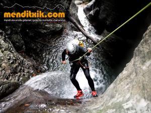 barranco_cassies_barranquismo_canyoning_descente_canyon_pirineos_hautes_pyrenees_menditxik_guias_montana_3
