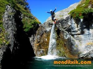 barranco_gargantan_ossoue_barranquismo_canyoning_descente_canyon_pirineos_hautes_pyrenees_menditxik_guias_montana_1