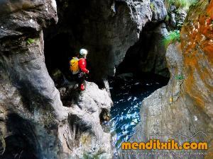 barranco_gargantan_ossoue_barranquismo_canyoning_descente_canyon_pirineos_hautes_pyrenees_menditxik_guias_montana_2