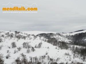 02-Urbasa_Andia_Zeharkaldia_Travesia_Montana_Mendia_Euskal_Herria_Pais_Vasco_Pays_Basque_Basque_Country_Menditxik_Mendi_Arroila_Gidariak_Guías_montaña_barrancos_mountain_canyon_guide_montagne_canyon_guides