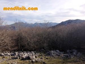 11 Degurixa Artzai Txabola Degurixa Aizkorri Aratz Queso GAzta Chabola Pastor menditxik mendi gidariak guías de montaña mountain guides canyon canyoning barrancos arroilak