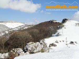 14-Urbasa_Andia_Zeharkaldia_Travesia_Montana_Mendia_Euskal_Herria_Pais_Vasco_Pays_Basque_Basque_Country_Menditxik_Mendi_Arroila_Gidariak_Guías_montaña_barrancos_mountain_canyon_guide_montagne_canyon_guides