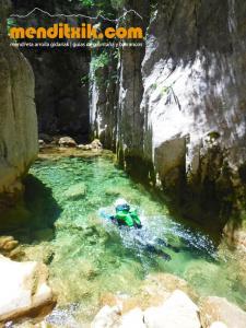170607 fago barranquismo arroila canyoning pais vasco navarra nafarroa euskadi euskal herria menditxik mendi gidariak guias montaña barrancos 16