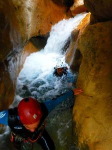 Barranco Formiga barranquismo descenso barrancos sierra guara panzano deportes aventura huesca canyoning menditxik guias montana