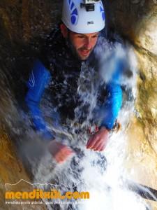 Formiga guara descenso cañones barrancos arroila jaitsiera menditxik guías de montana barrancos mendi arroila gidariak 2